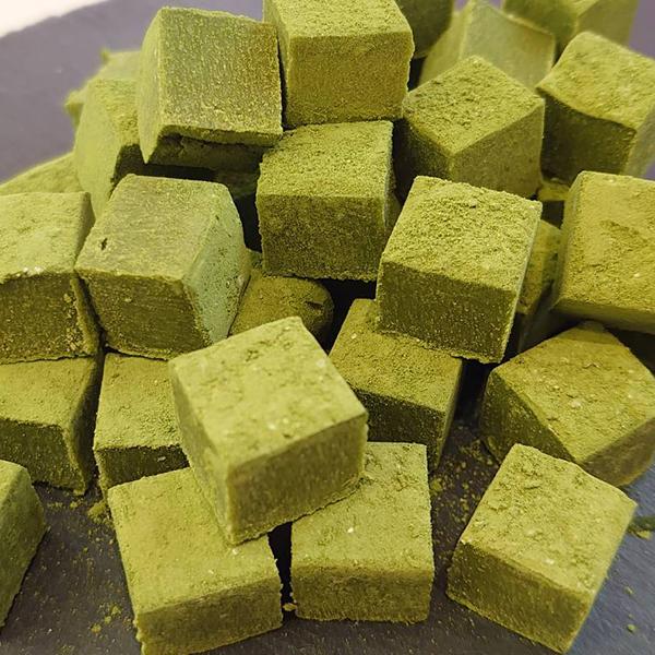 中華街の石畳 (抹茶)